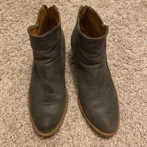 Maurices size 8 boots/booties